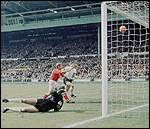 [ image: That goal! Geoff Hurst's controversial fourth]