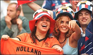 Dutch and French fans