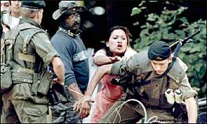 Scuffle between Mohawk woman and army from 1990