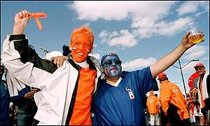 Dutch and Italian fans