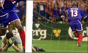 Wiltord scores for France