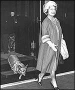 Queen Mother with corgies leave the Royal train
