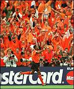 Kluivert hat-trick celebrations lost in a sea of orange