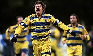 Crespo joins Lazio in record deal