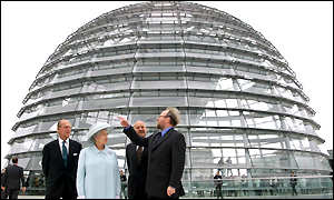 The Queen and Prince Philip listen to  listen to German Parliament President Wolfgang Thierse