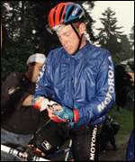 Armstrong leaves the 1996 Tour