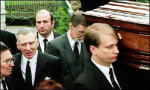 Reggie Kray at his brother Ronnie's funeral