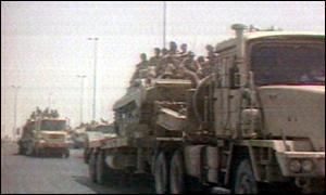 Iraqui tanks entering Kuwait