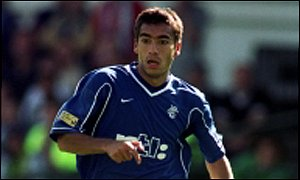 Giovanni van Bronckhorst came close to scoring for Rangers