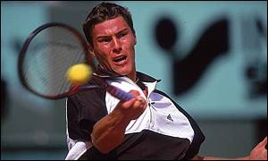 Marat Safin cruised to an easy victory in Toronto