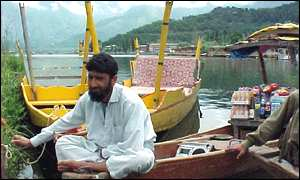 Boatman on Dal Lake