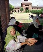 Women at the Grand Mosque, Srinagar