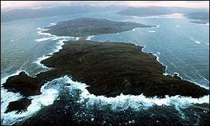_907705_island300.jpg