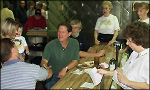 Gore at an all-night diner: a round-the-clock marathon to clinch his lead