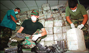 US officers with seized cocaine