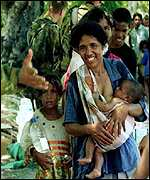 East Timorese refugees at the border (1999 file)