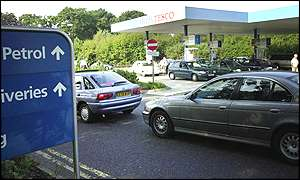 Cars queuing at Tesco petrol station