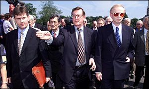 David Trimble with party colleagues