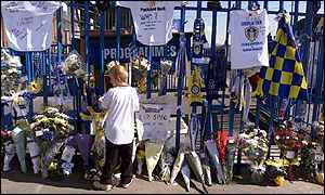 tributes at Elland Road gates