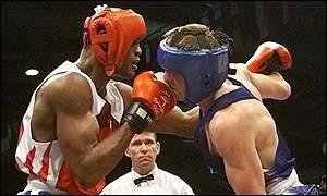 Bbc Sport Boxing Savon Makes Boxing History