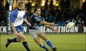Castres centre Eric Artiguste and Bath's Mike Tindall
