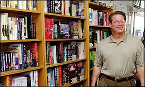 Al Gore in bookshop