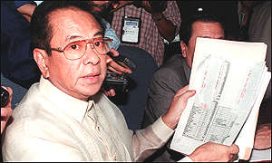 Singson producing a ledger detailing alleged payments in the senate hearing