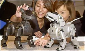 New Aibo (left) and original Aibo (right)