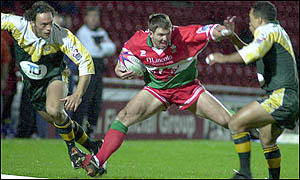 Wales' Lee Briers bursts for the try-line
