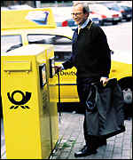 Deutsche Post mail man � Deutsche Post