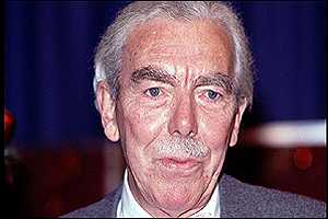 image: [ Frank Muir, veteran broadcaster and raconteur, who has died aged 77 ]